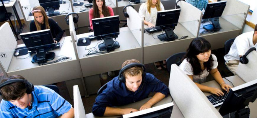 Pezzopane presenta 'legge quadro' su call center, piu' qualita' e piu' diritti