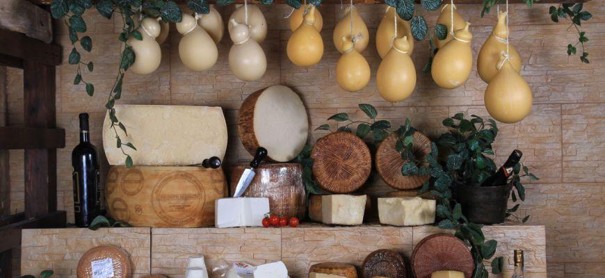 Spacciava per artigianali formaggi all'ingrosso: sospeso