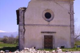 Appalti per la ricostruzione, non si salvano neanche le chiese
