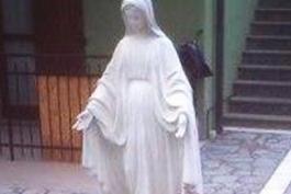 Quando a scappare di notte non è una persona ma una statua...