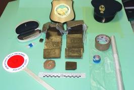 In possesso di piu' di un chilogrammo di hashish e cocaina, arrestato avezzanese
