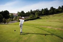 I jeans sui campi da golf? Il genio nostrano rompe un tabù