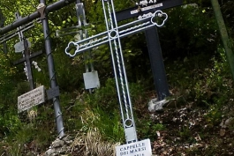 Alla Trinità è arrivata una nuova Croce...