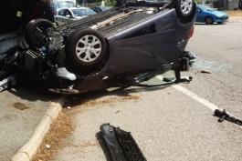 Incidente stradale con cappottamento: nessun morto per fortuna