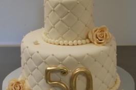 Una storia di altri tempi: 50 anni di matrimonio e non sentirli