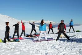 Ovindoli è Wild ma anche Yoga: una giornata sulla neve con Linea Bianca